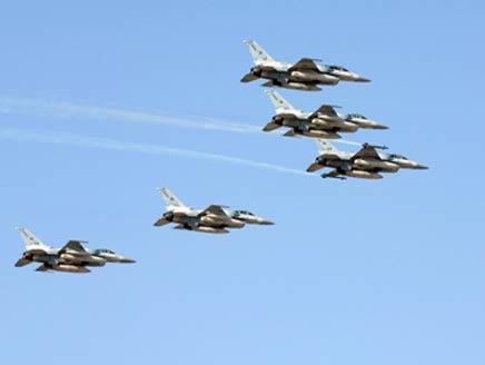 UAE commits 12 planes to Libya despite Bahrain
