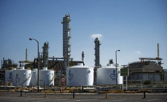 Cash-strapped Libyan rebels export oil from Tobruk