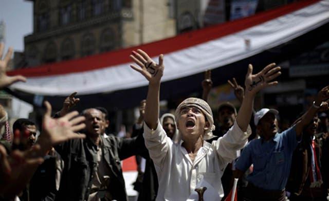 Tribal chief tells Saleh to go, as overnight blast leaves 28 dead