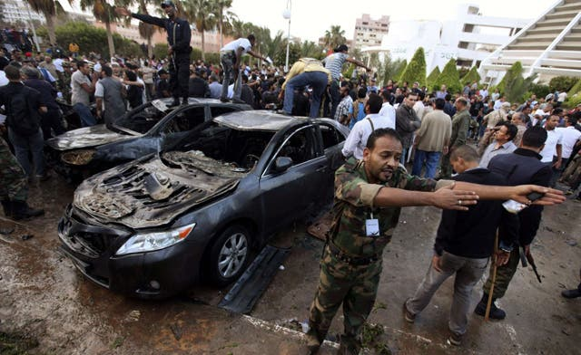 Qaddafi committed war crimes, says UN panel, but rebels also stand accused