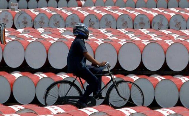 New oil war in Asia: Saudi Arabia versus Russia