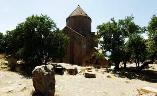3,000 Armenians attend mass in renovated Church in Turkey