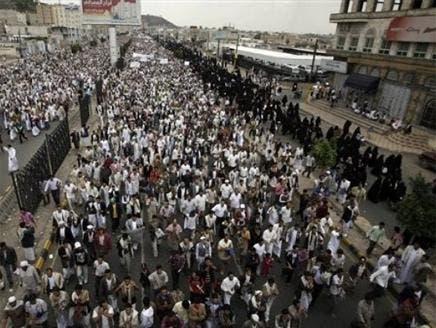 مسؤول يمني: 70% من الجيش مع الرئيس صالح و30% ضده