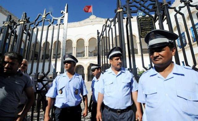 Tunisian Salafists attacks TV station for screening film on Iran revolution