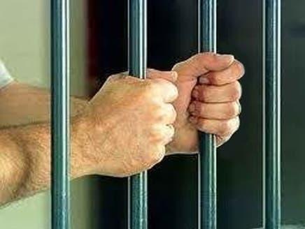 إيران تحكم بالسجن 164 عاماً على 56 من الدعاة السنة