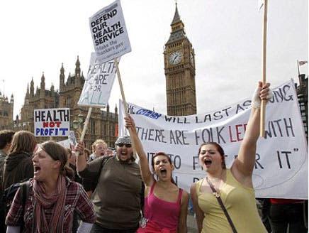 """احتجاجات """"وول ستريت"""" تلهم بريطانيين قرروا احتلال بورصة لندن"""