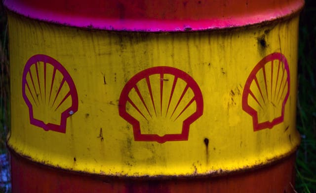 Shell, Total cut Syrian oil output amid sanctions