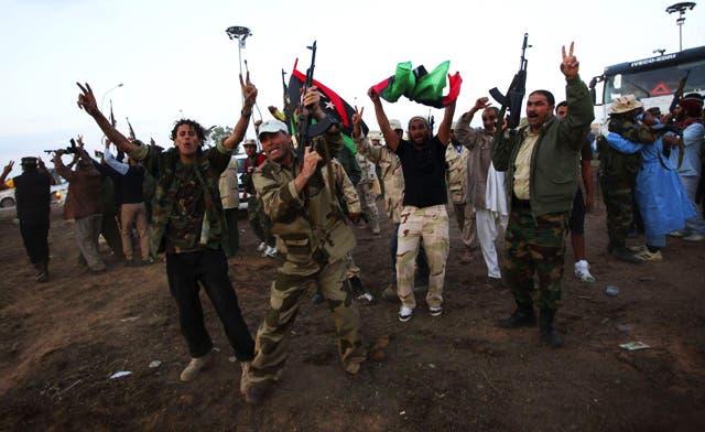 Fresh clashes in Libya's Bani Walid; U.N. says 7,000 held in militia prisons