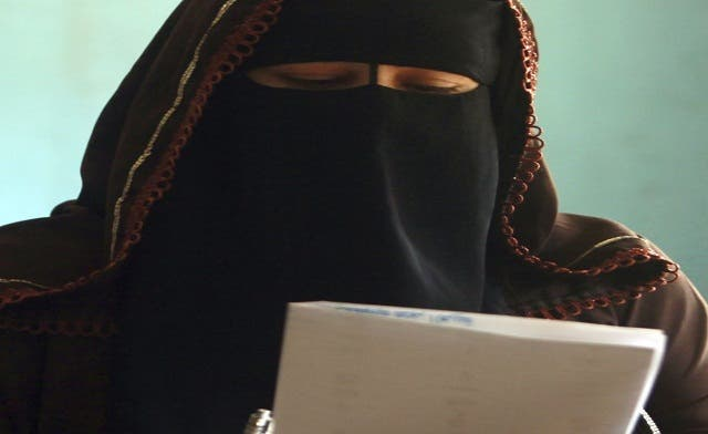 Islamist-liberal faceoff in Egypt elections; face-veil stirs debate