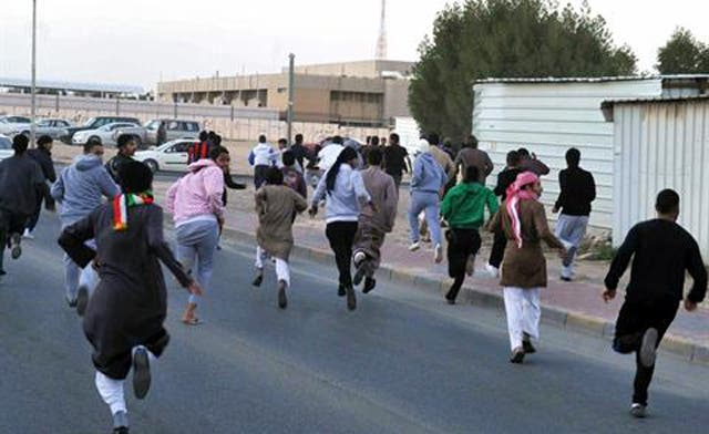Kuwait to deport stateless protesters: report