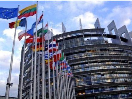 اتحادیه اروپا نفت ایران و بانک مرکزی را تحریم کرد