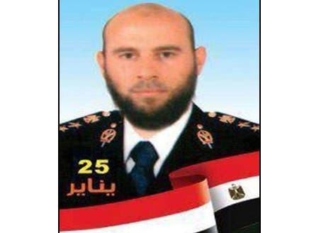 ضباط شرطة مصريون يطلبون السماح لهم بإطلاق اللحية