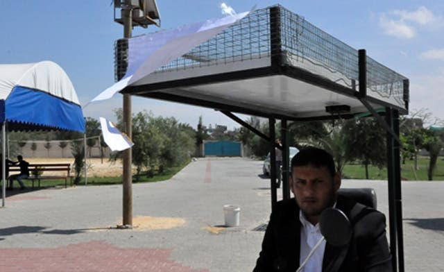 Gaza inventor defies power outage with home-made electric system