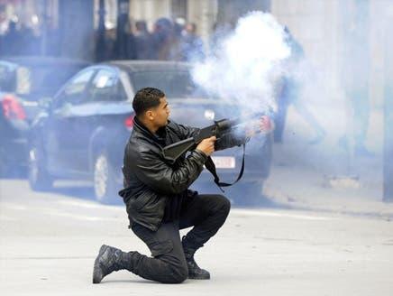 اشتباكات عنيفة بين قوات الأمن ومتظاهرين في تونس