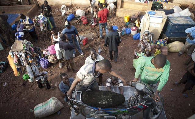 New Mali militia leaves Timbuktu to 'avoid bloodbath'