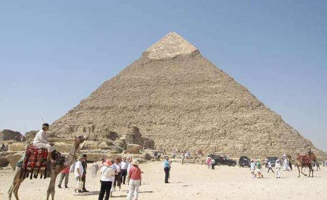 Egypt expects tourism to rebound this year to pre-revolution levels