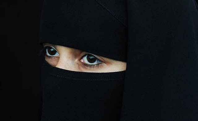 France turns away three Saudi women from plane over face veil