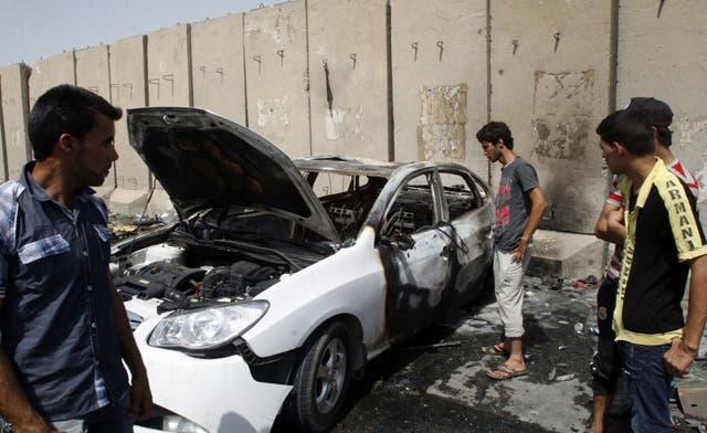 Iraq suicide bomb attack kills 15, wounds 40