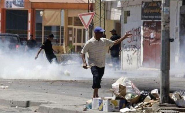 Tunisia arrests official after riots over 'un-Islamic' art
