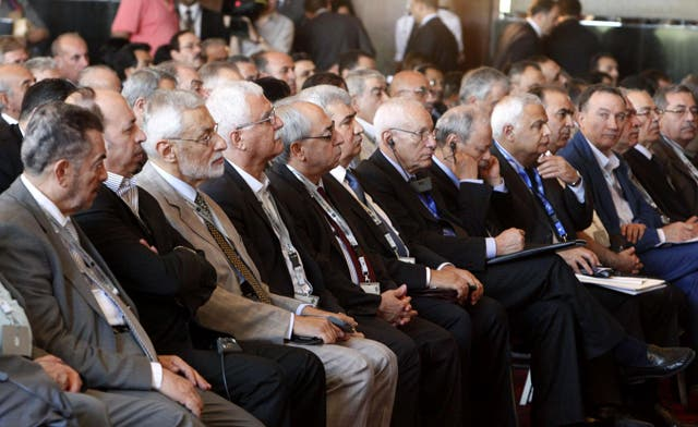 Syrian opposition discusses transition in Cairo meeting, FSA boycotts