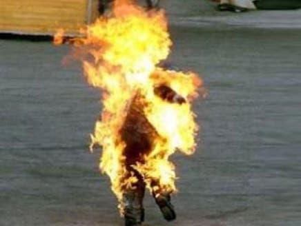 دبلوماسي موريتاني يحرق نفسه احتجاجاً على قرار وزير