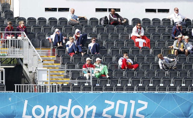 London Olympic organizers under pressure to fill empty seats