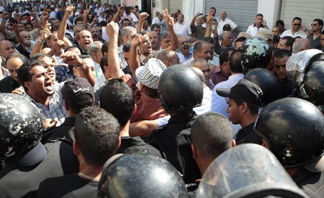 Secular politician killed in southern Tunisia clashes