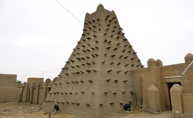 Mali Islamists destroy more saints' tombs in Timbuktu: witnesses