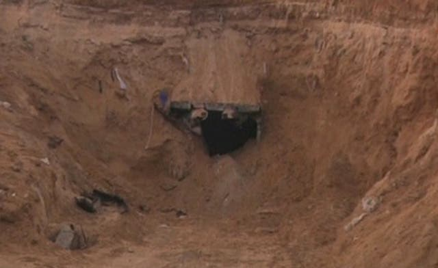 Repairs begin on Gaza's smuggling tunnels