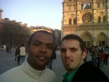 جزائري يقيم أول صلاة جمعة في أول مسجد للمثليين