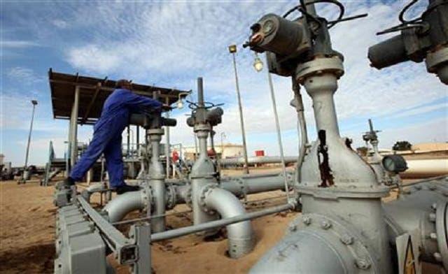 Libya's interim govt may seek new oil bids