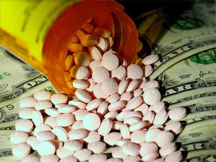 """""""القاعدة"""" تمول عملياتها من بيع المخدرات في أوروبا"""