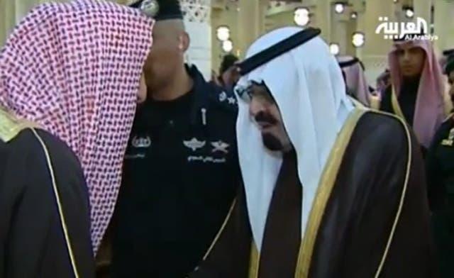 Saudi king Abdullah performs funeral prayers on Prince Sattam