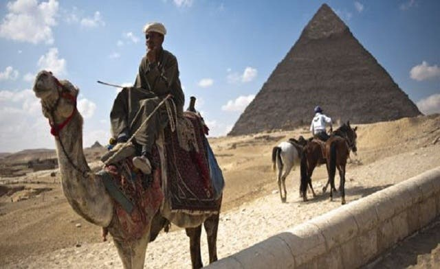 Cash-strapped Egypt considers offering pyramids, other monuments for rent