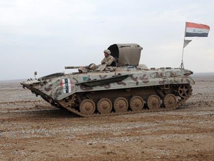 دبابات عراقية تقصف معبر اليعربية الخاضع للجيش الحر